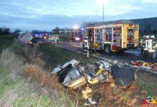 Bild von Eschweiler: Schwerer Verkehrsunfall mit eingeklemmter Person