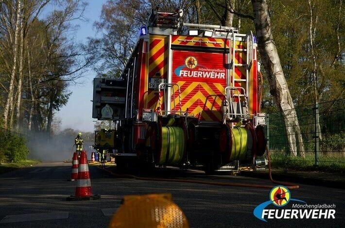 Mönchengladbach: Verkehrsunfall fordert 2 Verletzte